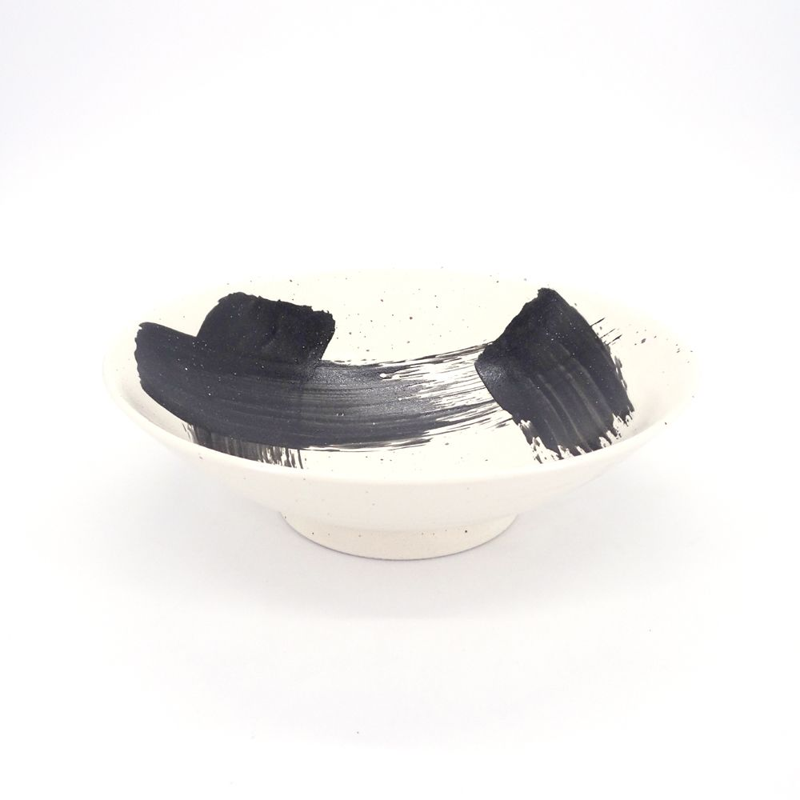japanese noodle ramen bowl in ceramic white SHIROHAKEME, black brush