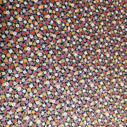 tissu noir japonais en coton fleurs fabriqué au Japon largeur 110 cm x 1m