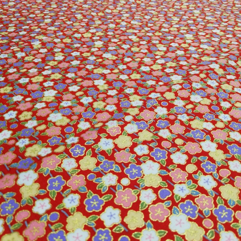 Red Japanese cotton fabric with flowers made in Japan width 110 cm x 1m