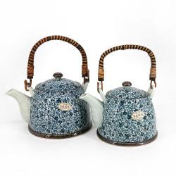 Théière en porcelaine avec motifs de fleurs bleues - KOZOME TSURU KARAKUSA, 1.5L/0.9L au choix