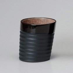 Japanese black teacup in ceramic YORISO light red interior