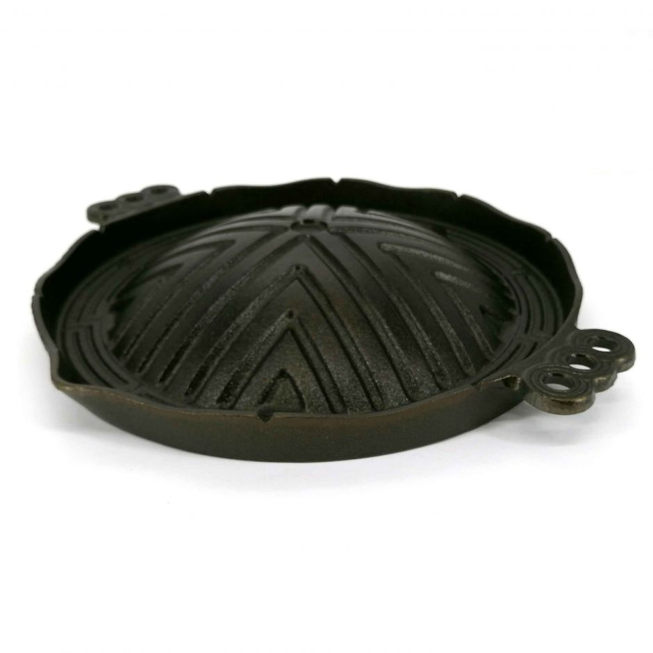Japanese domed cast iron grill for grilling - GURIRU