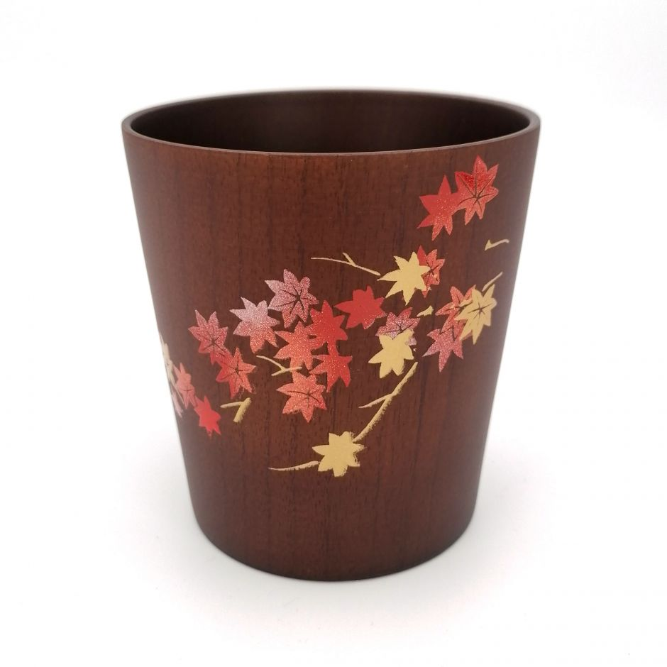 Japanese tea cup in dark natsume wood with gold and silver lacquered maple leaves pattern, MAKIE SAKURA