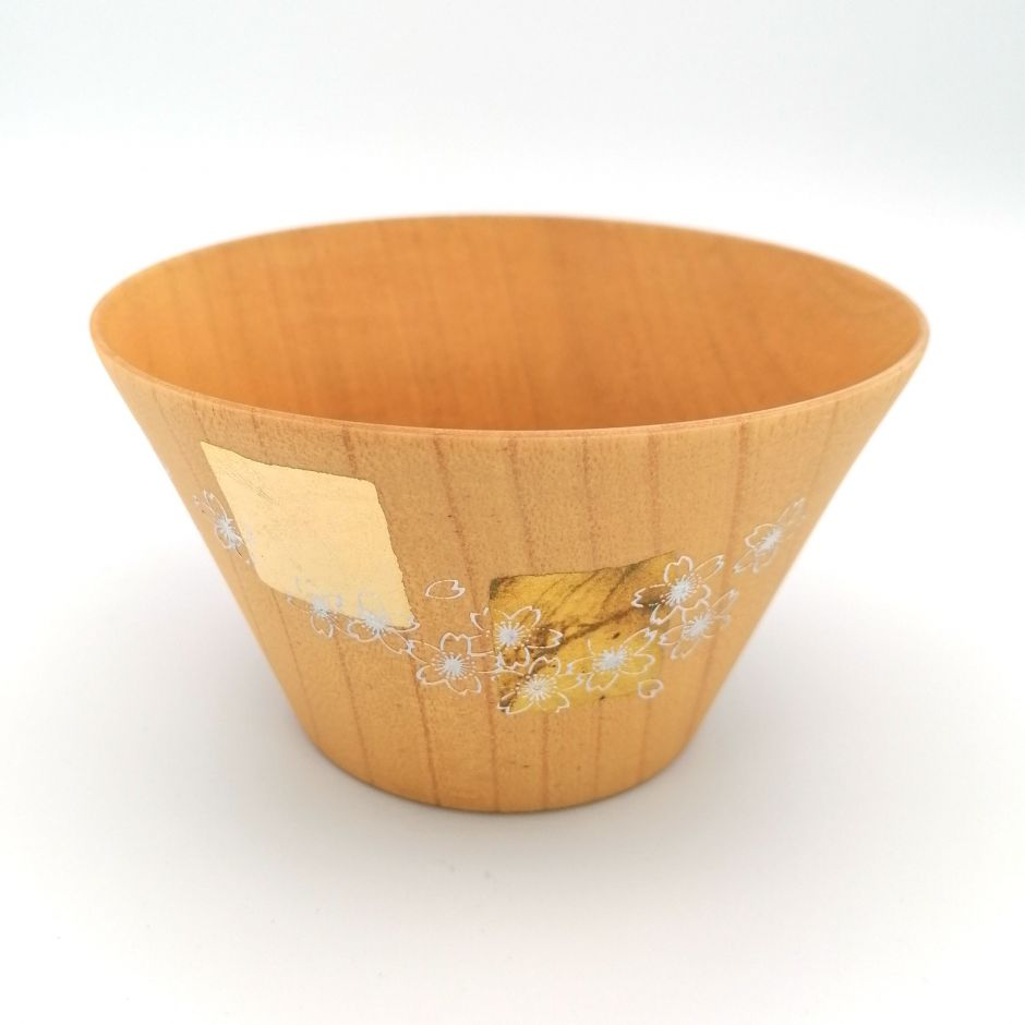 Japanese rice bowl in cedar wood with cherry blossom motif lacquered in gold and silver, MAKIE SAKURA