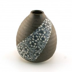 japanese vase, SAKURA MOMIJI ICHIRINSASHI, blue
