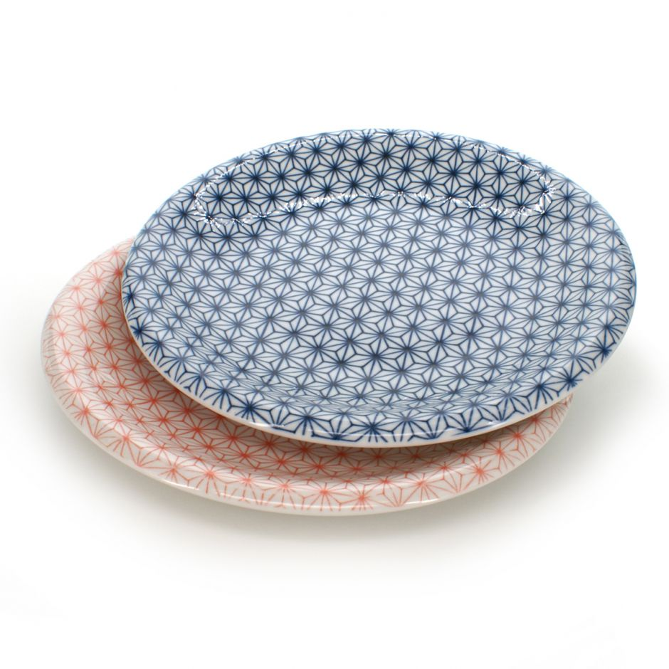 2 plates set with patterns red and blue ASANOHA