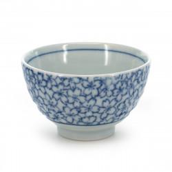 tasse traditionnelle japonaise à thé avec motifs fleurs de sakura KYÔSAKURA