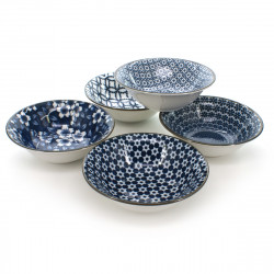 Set of 5 traditional Japanese bowls with blue and white flower patterns in SHIMITSU porcelain