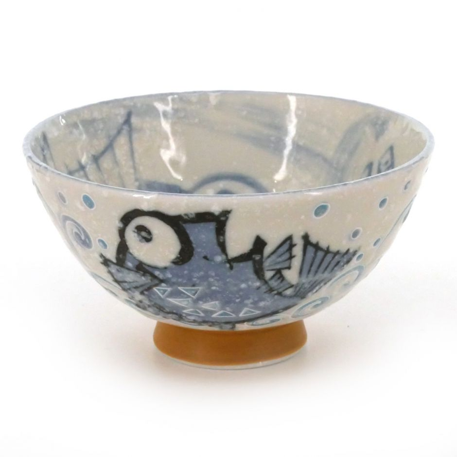 Japanese traditional colour blue tea bowl with fish patterns in ceramic MEDETAI