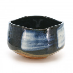 bol matcha traditionnel japonais couleur bleu en terre KON UWAGUSURI SHIROHAKE